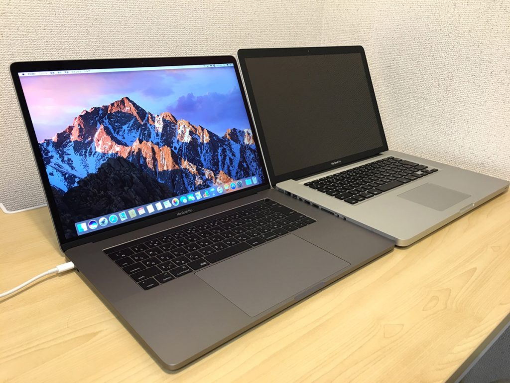 MacBook2016と2012モデルの比較