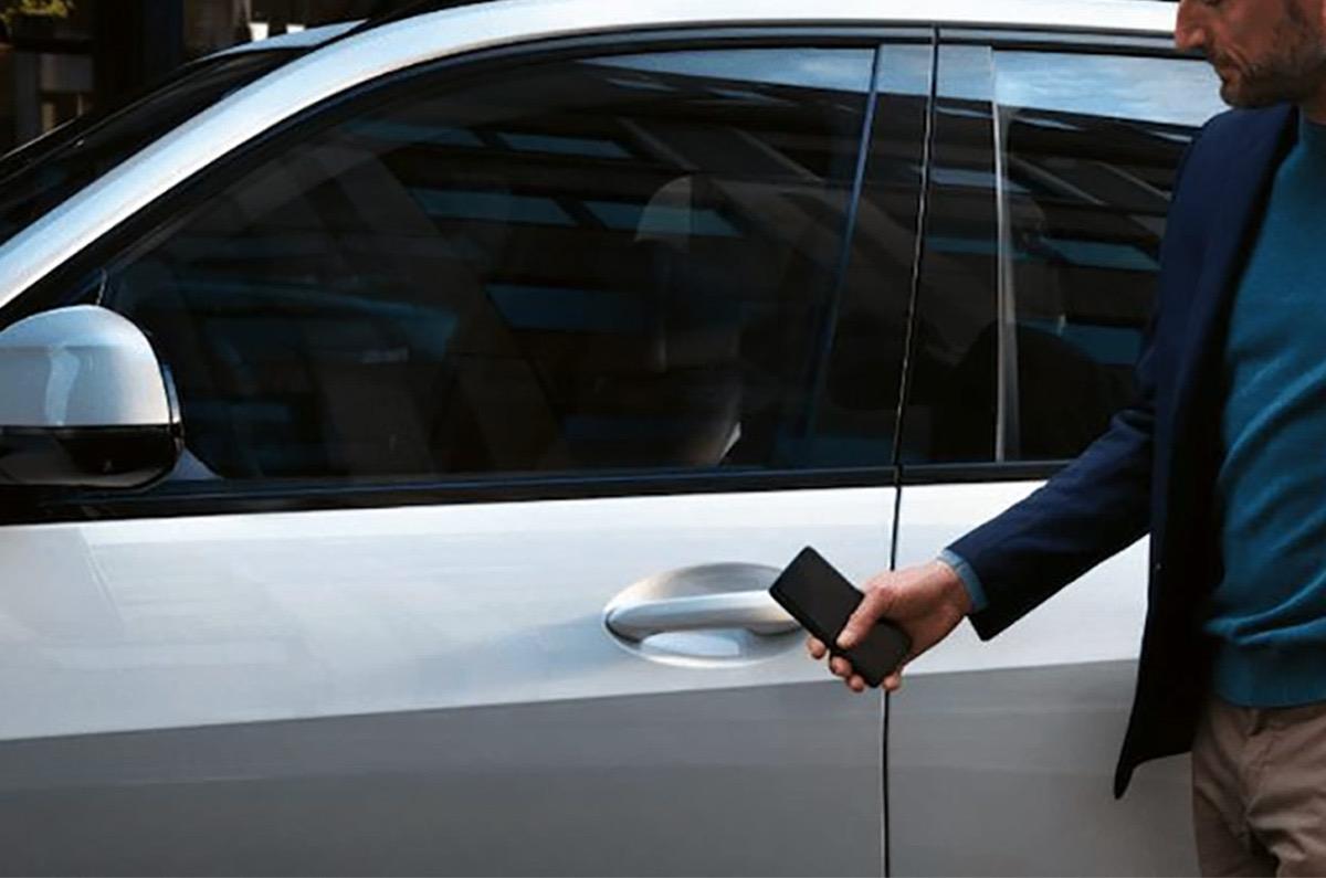 iPhoneが「車のキーになるCarKey」がもうすぐ使えるようになるかも