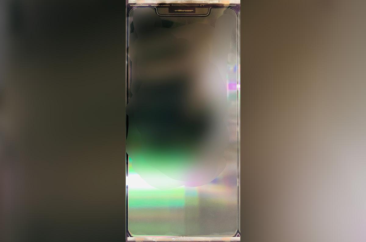 リークされた iPhone 12のディスプレイは、5.4インチでフラット