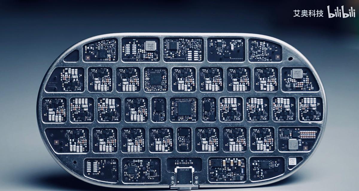 開発中止のAirPowerプロトタイプか 芸術のように緻密な設計