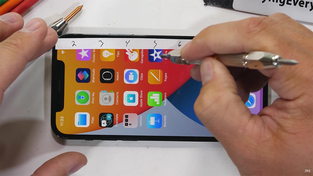 iPhone 12、「擦って、削って、押しつぶる。耐久テスト」が公開される