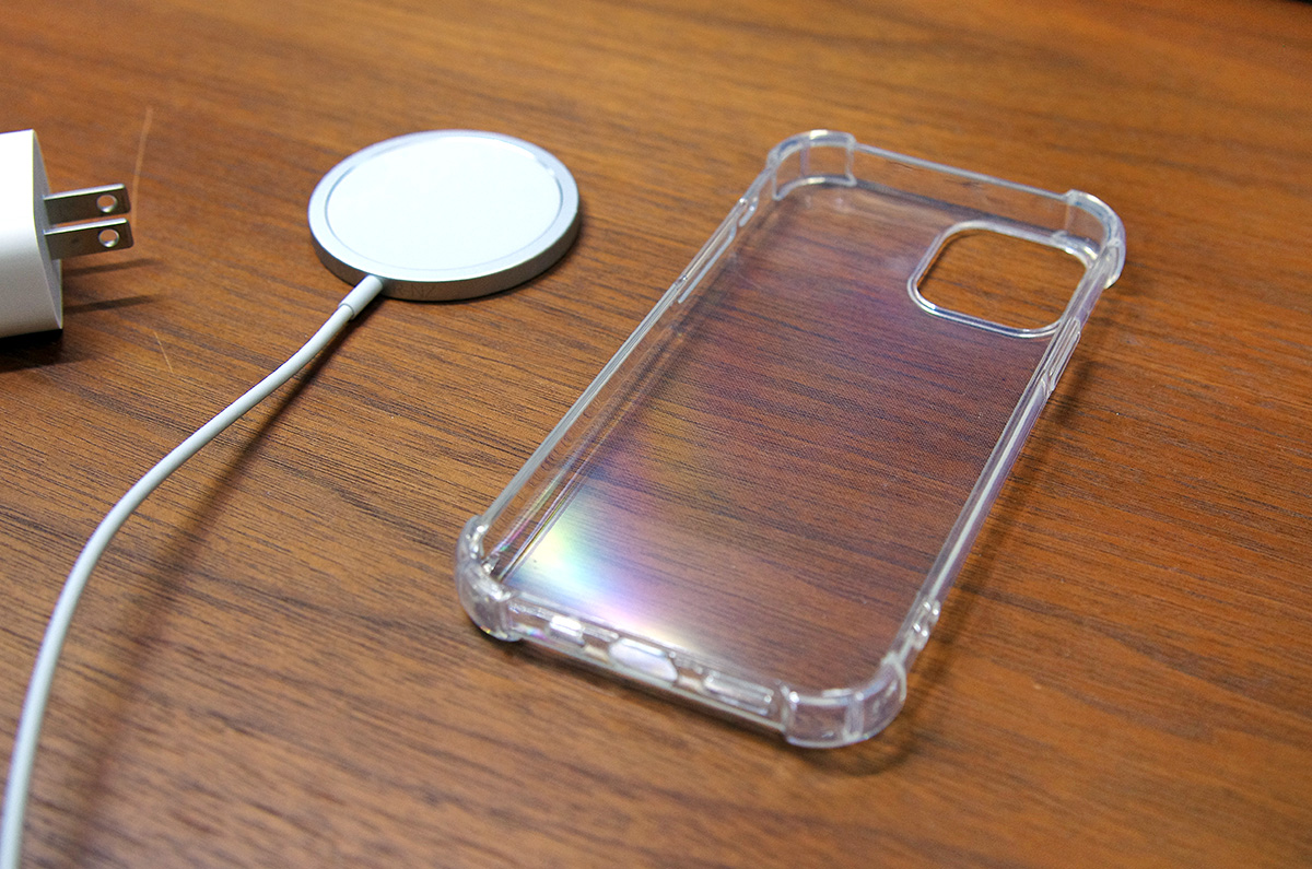 実験、MagSafe非対応のiPhoneケース、MagSafe充電器は使えるのか / iPhoneケース、MagSafe対応と非対応の違い