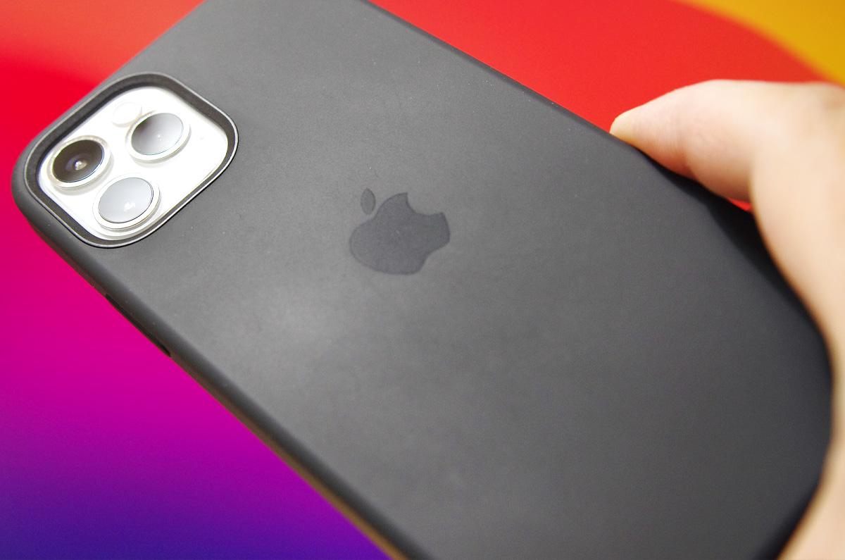 【レビュー】iPhone 12 Pro、Apple純正 シリコーンケース「デザインが影響か、品質が落ちた気がする」