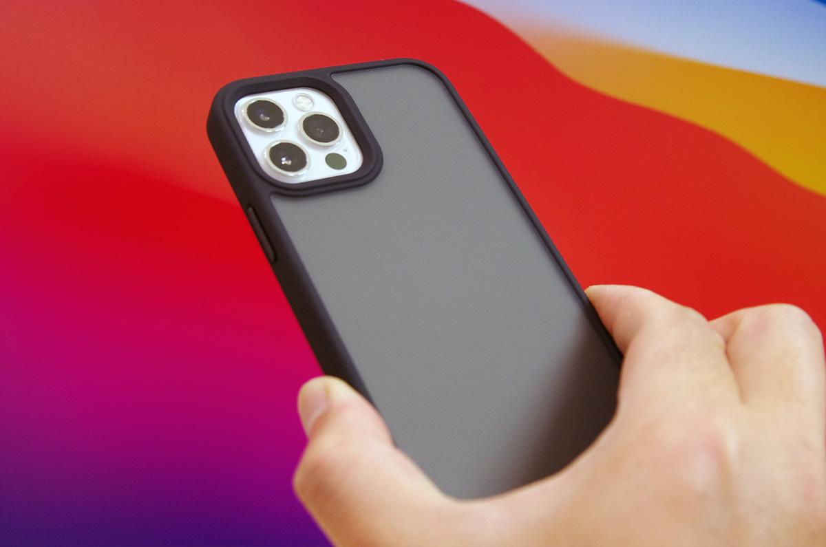 【レビュー】TORRAS 半透明 iPhone 12 / 12 Pro 用ケース 米軍MIL規格取得 高耐衝撃 ブラック